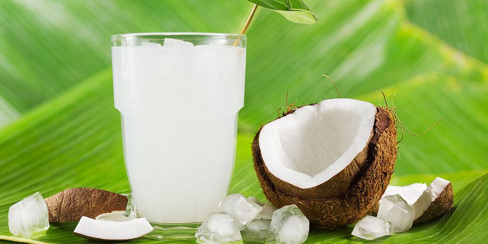 Kokoswasser - Wirkung, Rezepte und Studien